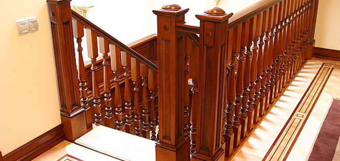 лестница из деревянных балясин фото